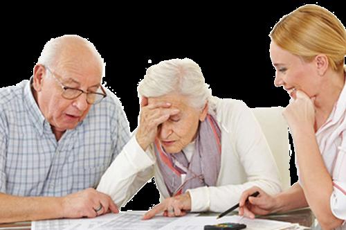 Девушка выплачивает алименты пожилым родителям