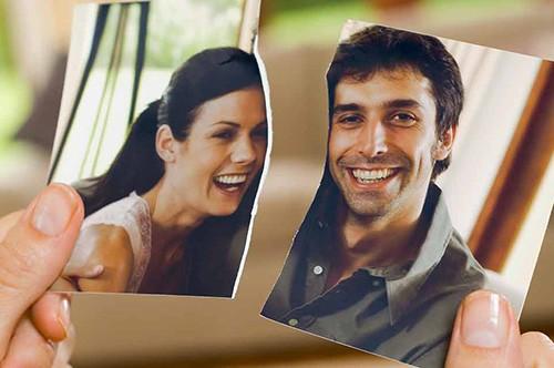 Развод с иностранцем: рвем семейную фотографию